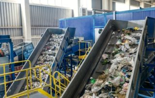 What Is an Incline Conveyor and How Is It Used?
